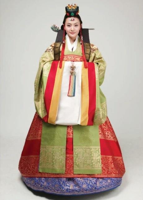 ханбок  для церемонии 한복
