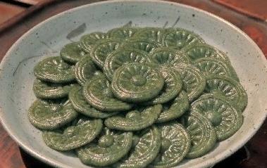 суричитток 수리취떡