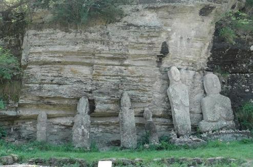 Историческое место Хвасун Дольмены 화순 고인돌 유적지